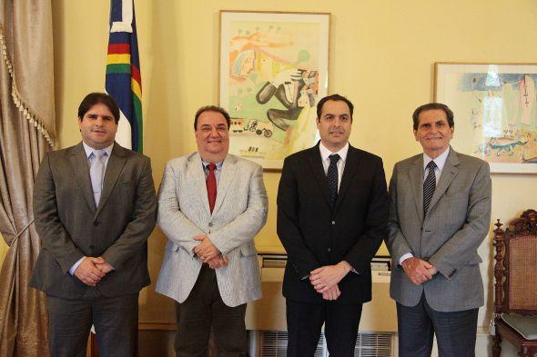 Vinícius Labanca, Gino Albanez, Paulo Câmara - Crédito: Roberto Pereira/SEI