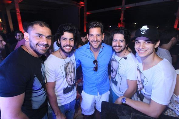 Bruno Novaes, Jose Pinteiro, Felipe Pezzoni, Anibal Pinteiro e Victor Carvalheira. Crédito: Luiz Fabiano/Divulgação