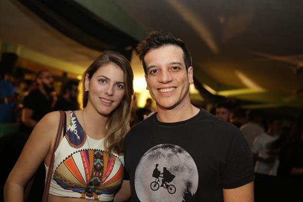 Cecilia Lucchesi e e Tiago Regis. Crédito: Celo Silva/Divulgação