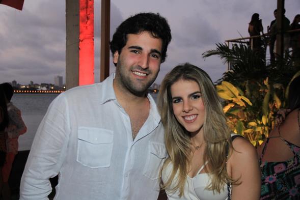 Felipe Pessoa de Queiroz e Victoria Pinteiro. Crédito: Luiz Fabiano/Divulgação