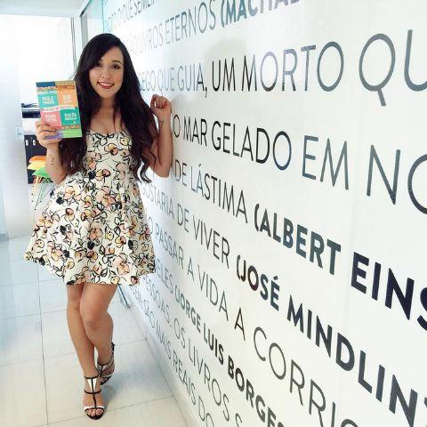 Bruna Vieira, uma das escritoras do livro. Crédito: Reprodução Instagram