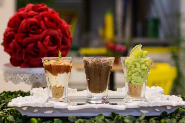 Os verrines de cheesecake, brigadeiro e limão. Crédito: Maninho Lyra/Cubo Mágico