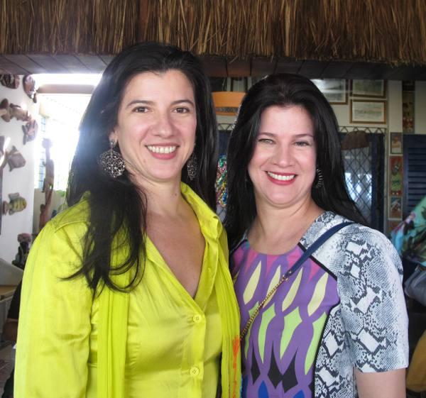 Luiza Nogueira e a irmã
