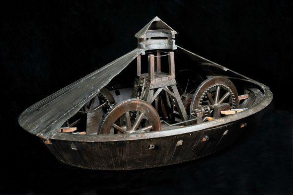 Da Vinci - Reproduções de invenções assinadas por Leonardo Da Vinci e construidas por artesãos italianos - Tanque