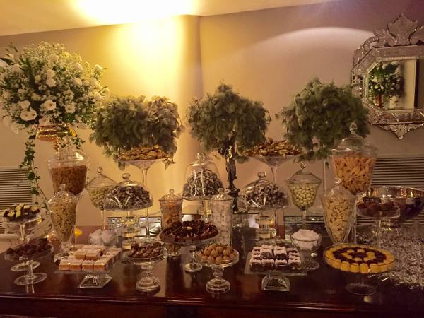 A mesa de doces de Lucinha Cascão