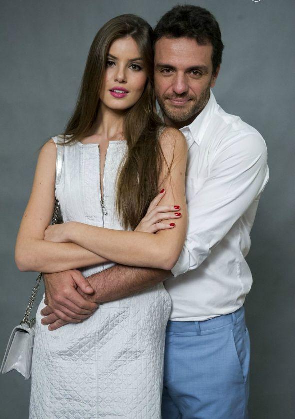 Camila Queiroz e Rodrigo Lombardi - Crédito: TV Globo/Divulgação