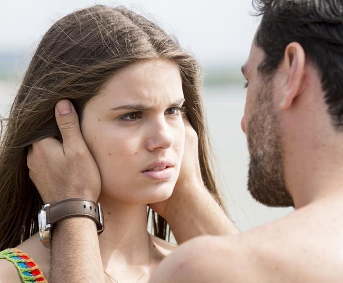 Camila Queiroz e Rodrigo Lombardi em cena - Crédito: Felipe Monteiro/GShow