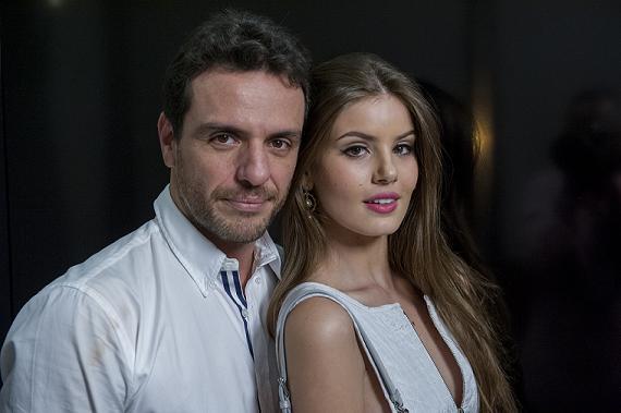 Rodrigo Lombardi e Camila Queiroz - Crédito: TV Globo/Divulgação