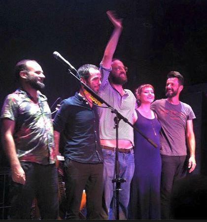 Foto tirada durante show em Portugal.  Créditos: reprodução internet