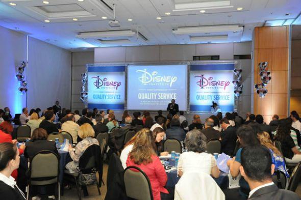 """Workshop """"O Jeito Disney de Encantar Clientes"""", em São Paulo. Crédito: Reprodução/ledermanconsulting.com.br"""