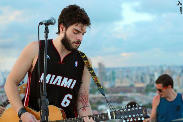 Rafael Furtado, líder da banda Papaninfa  - Crédito: Andrea Luz/Divulgação