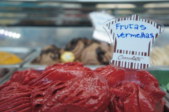 Gelato de frutas vermelhas espanholas, da Cioccolatte. Crédito: Cioccolatte/Divulgação