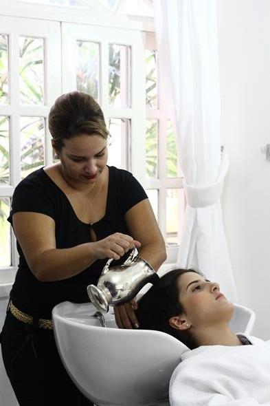O último passo da velaterapia é a lavagem+hidratação Créditos: Paulo Paiva/D.P/D.A.Press