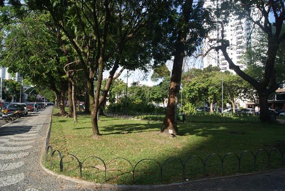 Praça de Casa Forte. Crédito: Inacio Melo/Esp. DP/D.A. Press