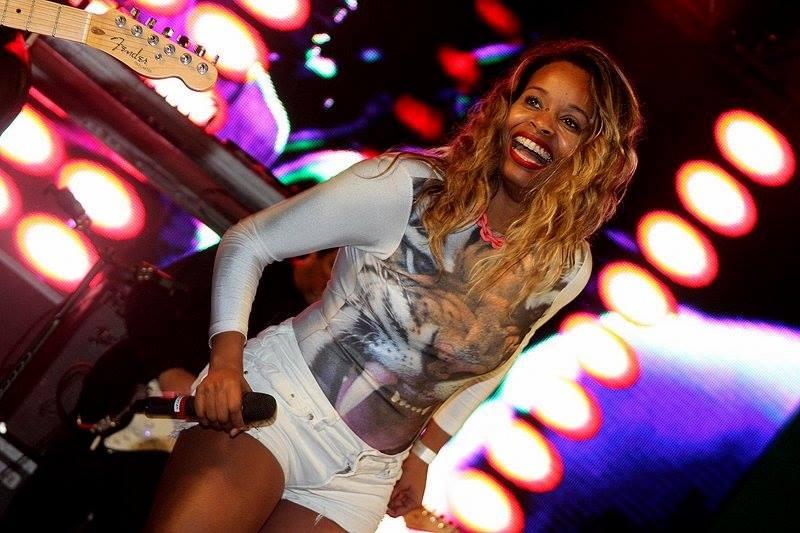 Roberta Rodrigues vai dar uma pausa nas gravações para se apresentar no Samba Recife Créditos: Divulgação
