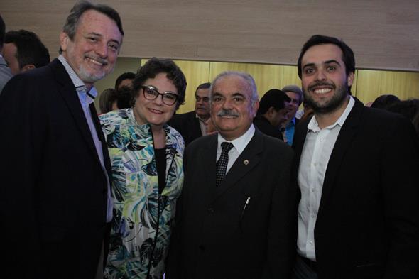 Francisco Cunha, Cecilia Freitas, Ricardo Costa e Durval Costa Neto Credito: Nando Chiappetta/DP/D.A Press
