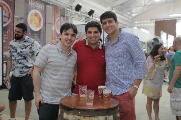 Guilherme Muniz, Thiago Oliveira e Rodrigo Bastos. Crédito: Momentos Fotografia/Divulgação