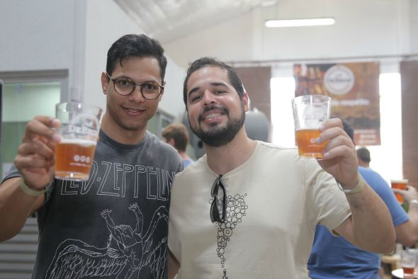 Rômulo Almeida e Gustavo Lima. Crédito: Momentos Fotografia/Divulgação