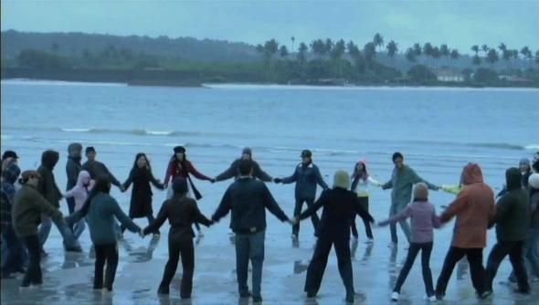 """Cena de """"Recife Frio"""". Crédito: Reprodução/Youtube"""