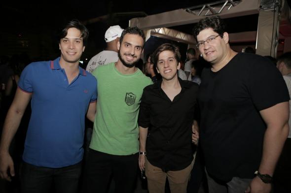 Eduardo Campelo, Lucas Maciel, Felipe Lucena e Dodi Teixeira. Crédito: Léo Lima/Divulgação
