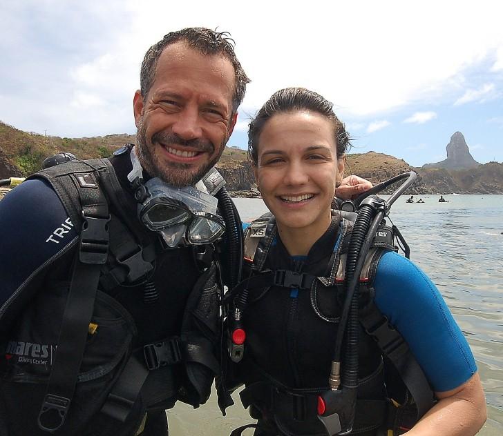 Malvino Salvador e Kyra Gracie passaram o fim de semana mergulhando em Noronha - Crédito:  Cosme Johnny/Divulgação