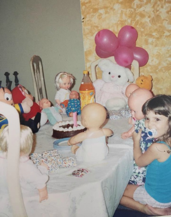 Uma das festas feitas para as bonecas. Crédito: Arquivo Pessoal