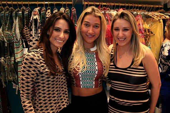 Andrea Cartocci, Gabriela Pugliesi e Flavia Vagen  -   Crédito: Raquel Melo/Divulgação