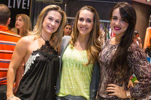 Fabiana Farias, Paula Sotero e Tamyris Farias - Crédito: Tatiana Sotero/DP/D.A Press