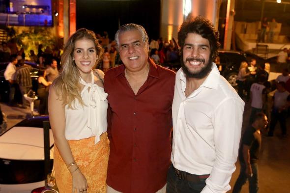 Victória, José e Zé Pinteiro à frente do evento. Crédito: Luiz Fabiano / Divulgação