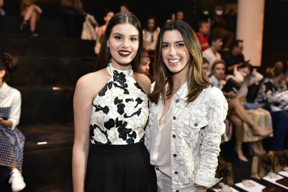 Camila Queiroz e Camila Coutinho