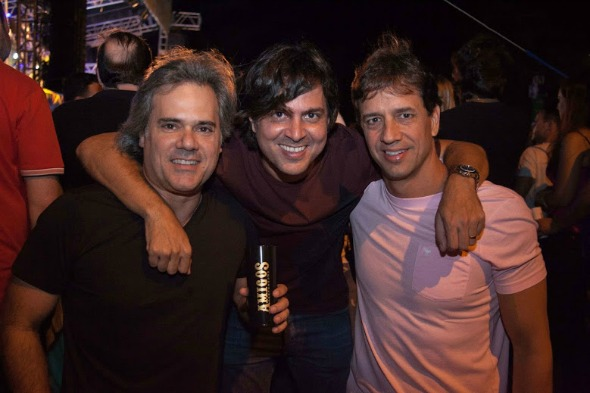 Sílvio Pontual, Bruno Rego e Henrique Figueira. Crédito: Vito Sormany/Divulgação