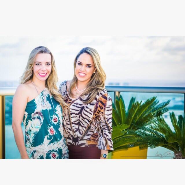 Bia Girão e Rapha Torres são as anfitriãs da tarde Créditos: Divulgação