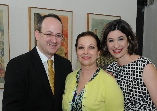 Gustavo, Marta e Isabella Freire/Divulgação