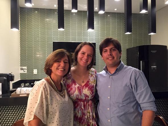 Aparecida, Gabriela e Eduardo Fazio. Crédito: Divulgação/Empório da Luz