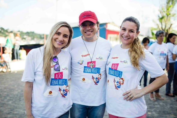 ariana Perylo, Frei Damião Silva e Adriana Perylo Créditos: Divulgação/dia feliz