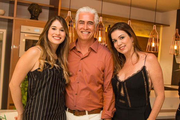 Patricia Duarte com a esposa Patricia e a filha Cecília  - Crédito: Tatiana Sotero/DP/D.A Press
