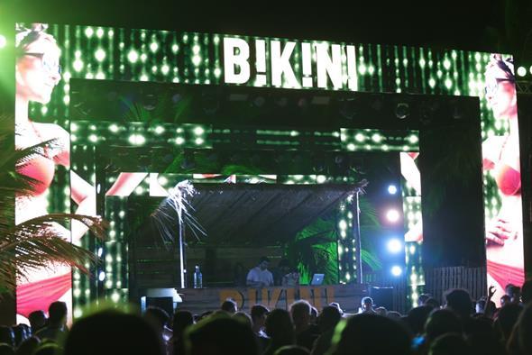 A primeira edição da festa agitou a praia de Enseadinha Créditos: Peu Hatz/Divulgação
