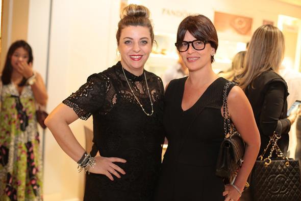 Graziella Veiga Falótico e Carla Bensoussan, que assinou o mailing vip do evento  créditos: Paloma Amorim/Divulgação