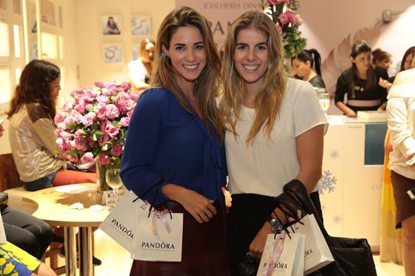 As belas Isabelle Leite e Victoria Pinteiro Créditos: Paloma Amorim/Divulgação