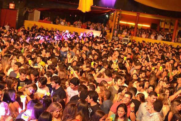 A noite teve ingressos esgotados Créditos: Larissa Nunes/Vagalume Comunicação