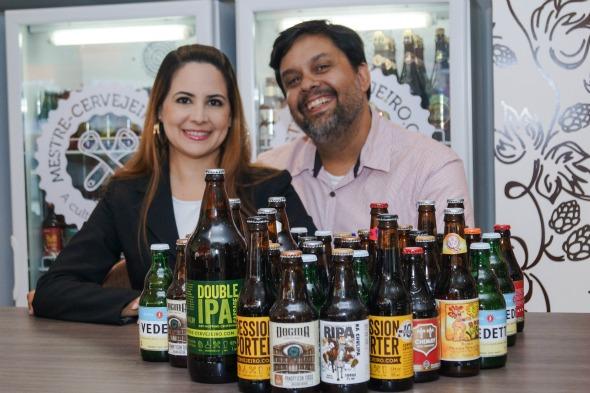 Manuela Kirzne e Newton César Neto. Crédito: Divulgação/Mestre Cervejeiro