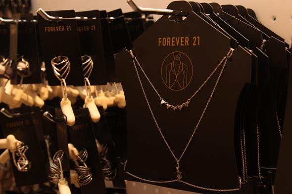 Body chain, outra tendência, custa R$ 25,90. Crédito: Tatiana Sotero/D.P./DA Press