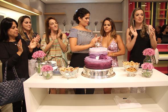 empresárias Gabriela Queiroz Galvão e Manuela Tenório comemoraram com suas amigas e clientes Créditos: Juliana Neves/4 Comunicação