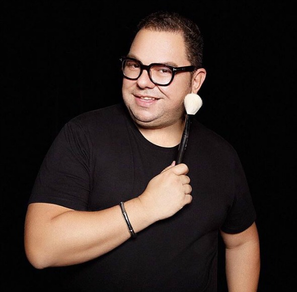 JR Mendes vai trabalhar por um dia na MAC do Shopping Recife Créditos: reprodução Instagram