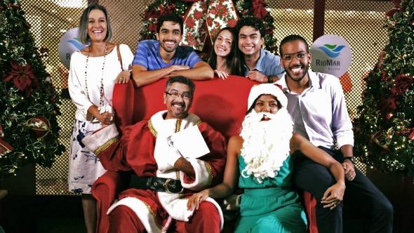 """Elenco de """"Natal dos Feitosa"""". Crédito: Paloma Amorim/Divulgação"""
