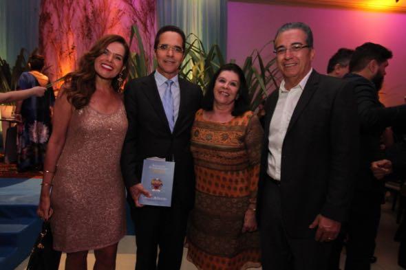 Patrícia e Maurício Rands, Celinha Batista e Ivo Gomes. Crédito: Nando Chiappetta