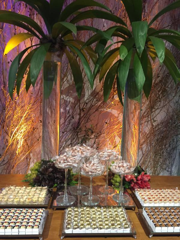 A deslumbrante mesa da Benta Brigadeiros/JAMS