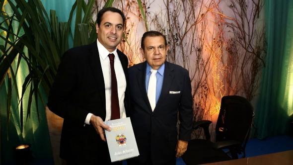 Paulo Câmara e João Alberto. Crédito: Aluísio Moreira / Divulgação