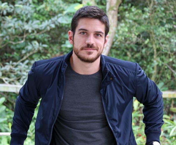 Marco Pigossi vai desfilar as novidades na Rommanel Créditos: divulgação