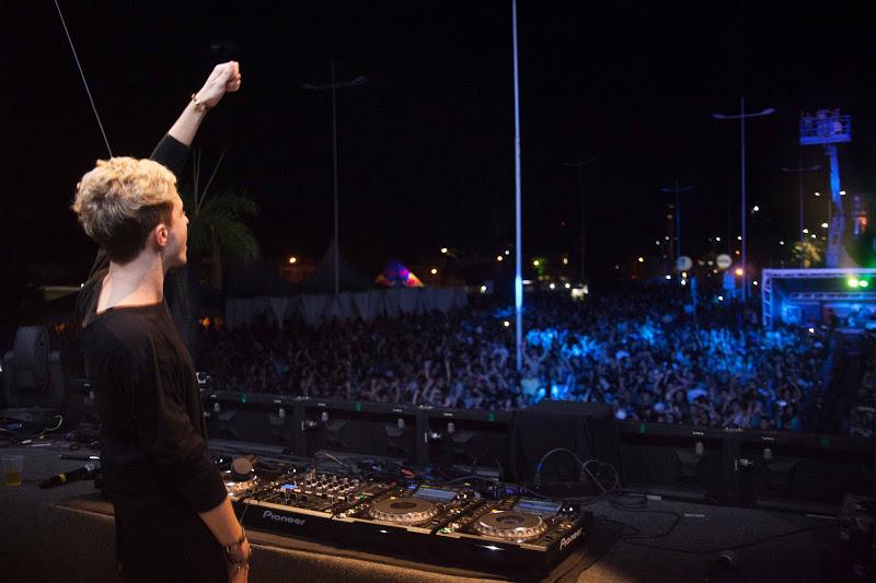 O DJ Arty apresentou grandes sucessos da música eletronica em seu set Créditos: Vito Sormany/ Moove Comunicação